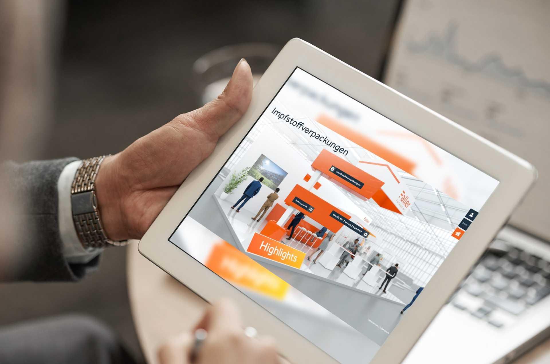 Digitaler, virtueller Messestand von commalive auf einem iPad.