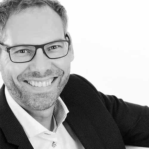 Eberhard Freiensehner, Geschäftsführer von commacross und commalive